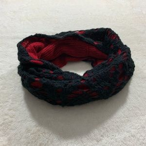 Betsey Johnson   Infinity Scarf - Black & Red